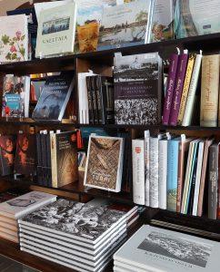 Museokaupan kirjoja